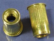 Ribbed blind Rivet Nut, Small Flange