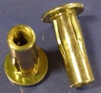 10-32 Rivet Nut, Pre-Bulbed & Slotted Body
